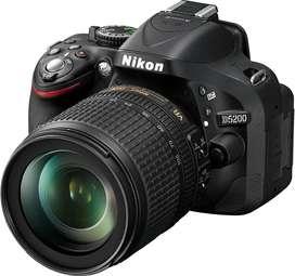 Vendo Nikon D5200 con dos objetivos