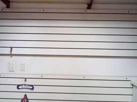Placa ranurada blanca 65.5 * 259.6 cm