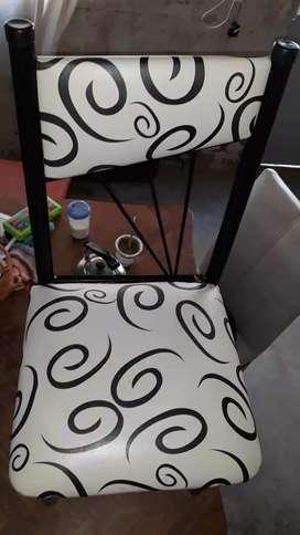 6 sillas de caño reforzado y mesa de formica
