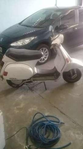 Motocicleta Piaggio Cosa 150