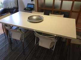 Mesa y 6 sillas excelente estado