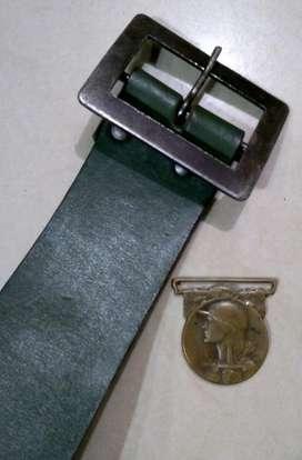 Antiguo Cinturón Militar. Sable Bayoneta