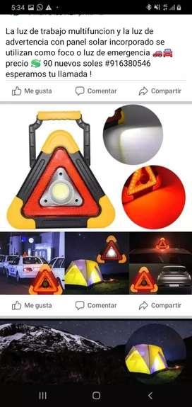 Luz multifuncion y la luz de advertencia de panel solar incorporado se utilizan como foco de emergencia