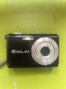 Remato Camara digital Casio Exilim, poco uso