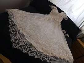 Exclusivo Vestido Largo de Hermosa Novia