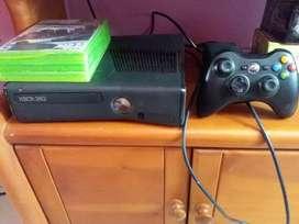 Xbox 360 slim + 2 juegos originales