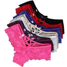 Operaria confección lencería femenina