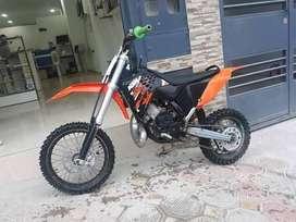 se vende moto ktm del 2009