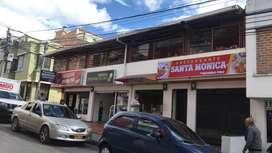 Se vende casa esquinera con locales comerciales