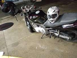 La moto esta recién pintada ACE Pido Sele hizo mantenimiento 10-10