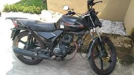 Vendo moto en bn estado papeles al día