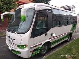 Motivo viaje vendo excelente vehículo de trabajo Buseta Dahiatsu Super Delta