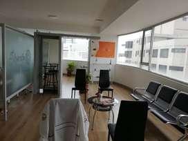 Oficina de venta en centro norte de Quito sector La Carolina Cod: V204