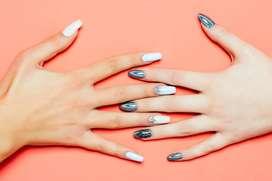Se busca Manicurista con manejo de uñas semipermanentes