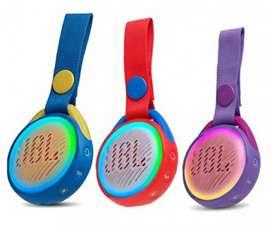Parlante portátil JBL Jr pop para niños impermeable IPX7