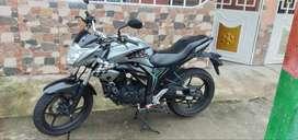 Vendo mi moto suzuki gixxer