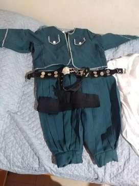 Traje malambo niño con rasta ; faja y camisa blanca