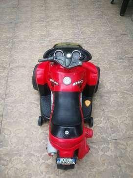 Moto Eléctrica a batería con pedal