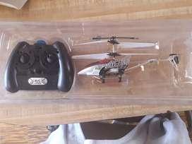 Helicóptero con control remoto a reparar