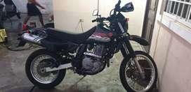 Vendo moto Suzuki Dr 650 en perfecto estado