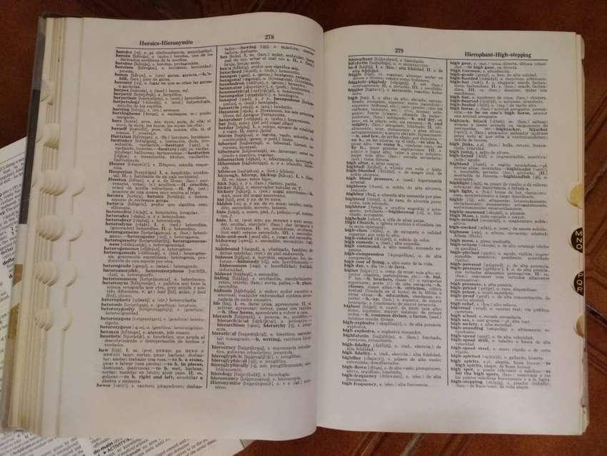 Vendo 3 diccionarios de inglés, precios en la descripción 0