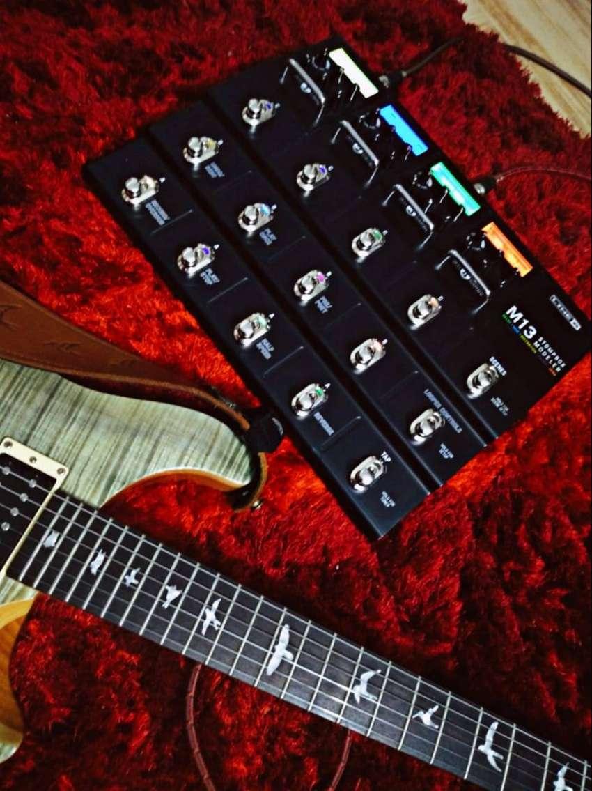 Pedal de Guitarra Eléctrica Line 6 M13 Stompbox Modeler 0