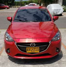Hermoso Mazda 2 sky active touring 2016