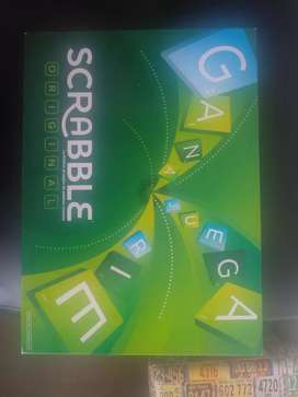 se vende juego de mesa Scrabble