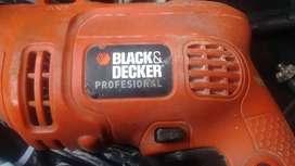 Vendo taladro black and decker