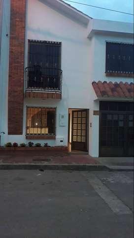 Vendo Espectacular Casa Urbana en uno de los mejores barrios de Subachoque a 45 min de Bogotá Viva naturaleza.