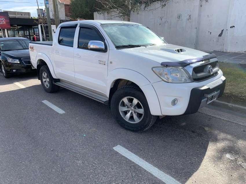 Toyota hilux 2010 4x4 cuero automatica 0