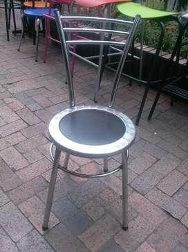 Silla España Somos fabricantes de sillas en acero inoxidable y cromadas con asientos tapizados Tenemos gran variedad