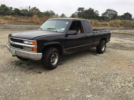 Chevrolet Silverado 1992 cambio vehiculo Menor valor o camion de 4t.