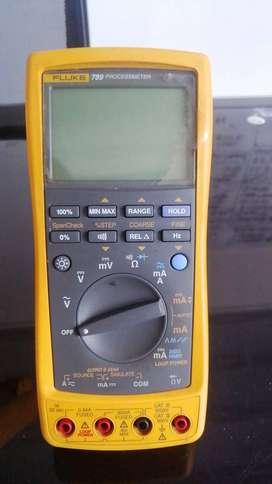 Multímetro de procesos Fluke 789 ProcessMeter con Fluke Connect