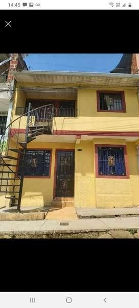 Se vende casa de 2 pisos en muy buenas condiciones barrio tejar norte 1 bucaramanga