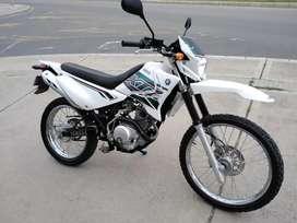 VENDO MOTO YAMAHA XTZ125 BLANCA 2020
