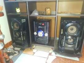 Vendo equipo de sonido marca panasonic