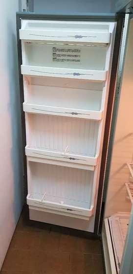 Vendo Heladera con congelador