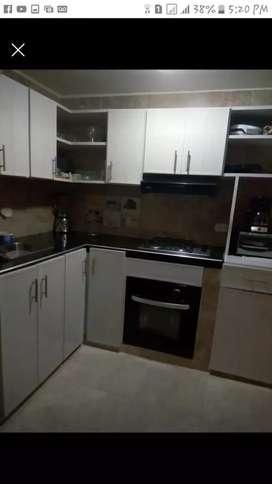 Vendo casa de dos pisos barrio Compartir