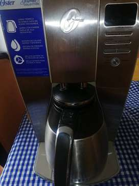Cafetera Oster en buenas condiciones.