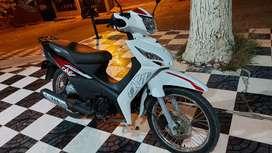 Vendo moto victory 100 como nueva tiene 4200 kilómetros precios 3700000 negociables