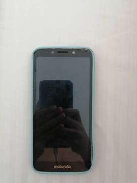 Vendo celular moto e5 play con forro negociable
