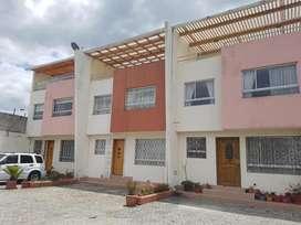 Casa de Venta en Cochapamba Sector El Bosque, Norte de Quito, Cerca al CC El Bosque