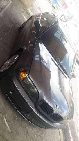BMW 318i manual color gris