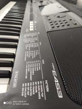 Yamaha PSR E543