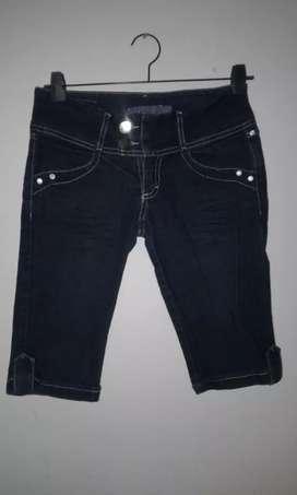 Capri de jeans talle 38