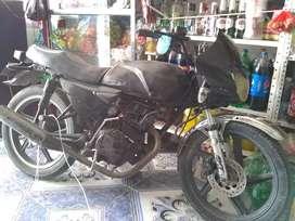 Para cambiarla con una moto señoritera