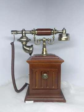 Telefono tipo vintage con cable fijo