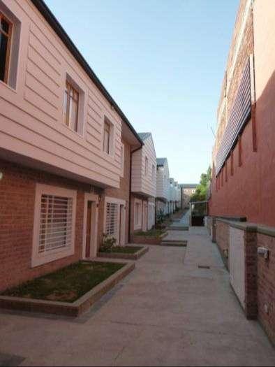 ALQUILADO - Dúplex 2 habitaciones. Centro de Neuquén. Con cochera, patio y parrilla.
