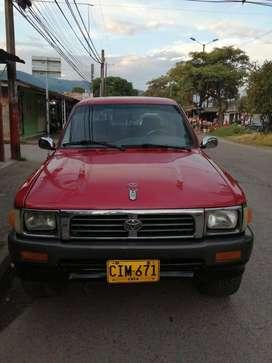 Toyota Hilux 96